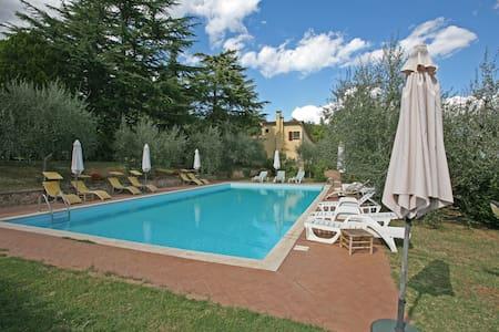 Villa in parco + pool 10' da Siena - Carpineta