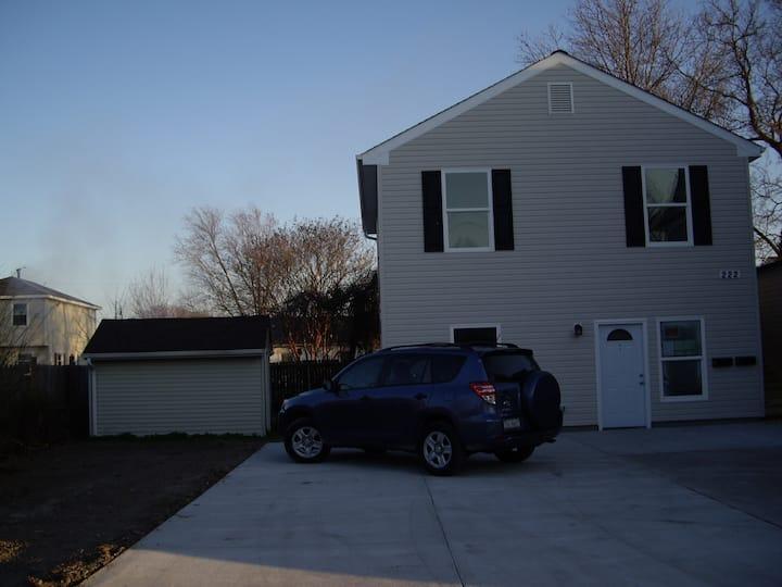 2BR/1BA Downstairs Apt of Duplex