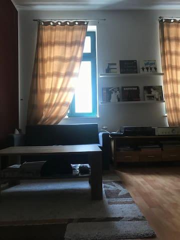 Ganze Wohnung mit Balkon, Lindenau