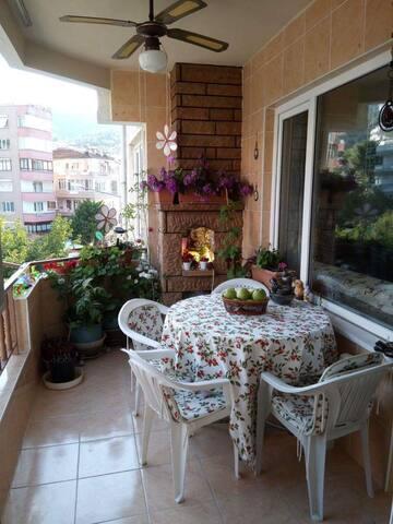 Cozy room I Apartment with balcony in Çınarcık