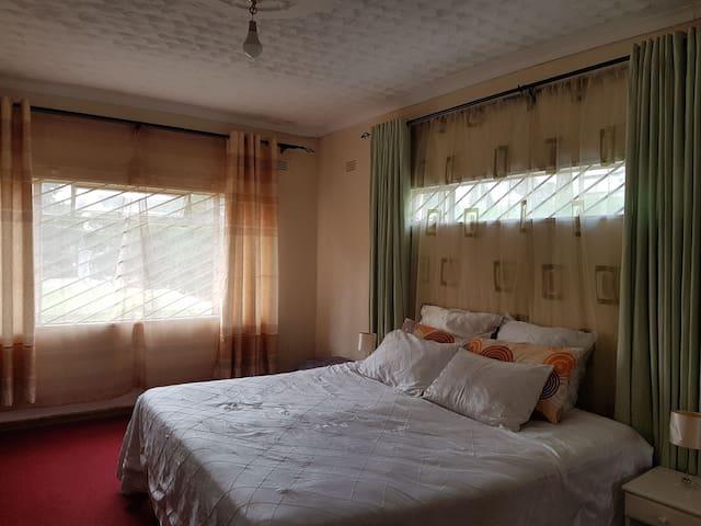 Cozy room with en-suite bathroom