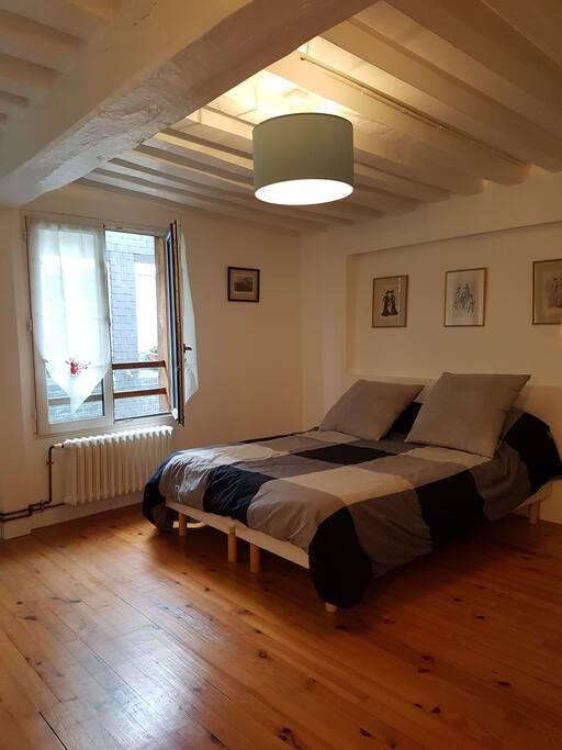 Une première chambre