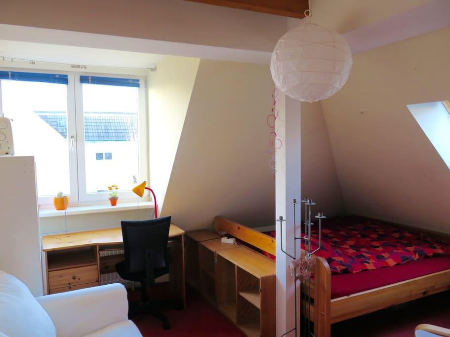 Und das Zimmer aus einem anderen Blickwinkel...