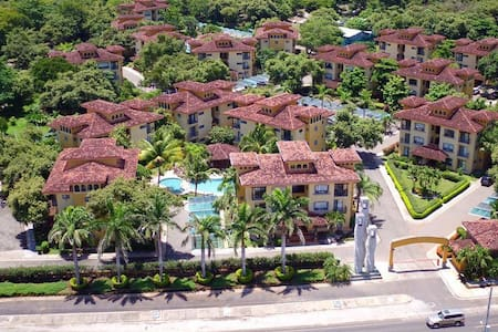Upscale Condo minutes from Playa Tamarindo - Villareal - Appartement