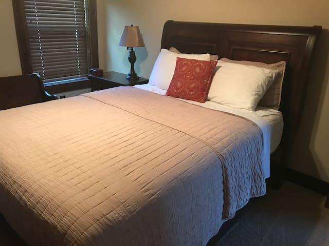 Comfortable, quiet bedroom