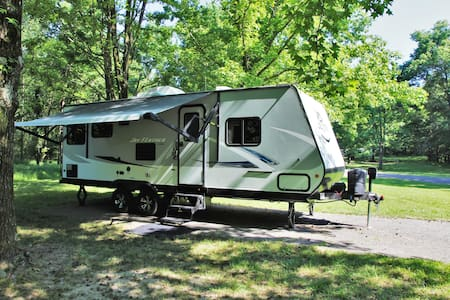 Camper Rental Sleeps 4 - Any Rend Lake Campground
