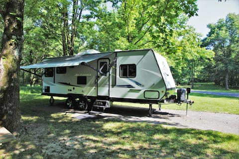 Camper Rental Sleeps 4 - Any Rend Lake Campground