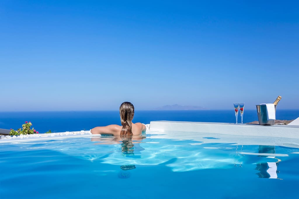 Infinity Outdoor Private Pool