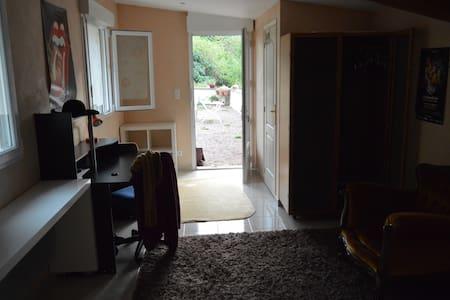 Chambre tranquille et indépendante près de Tours - Beaumont-la-Ronce