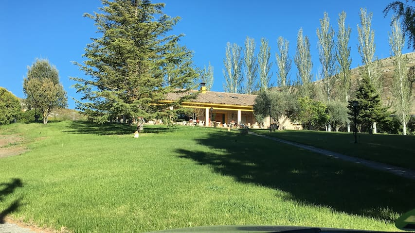 Casa Rural Fuentes de Ledina