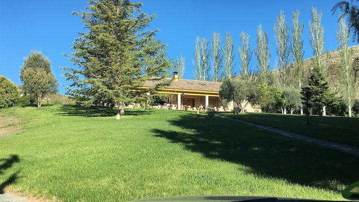 Casa Fuentes de Ledina