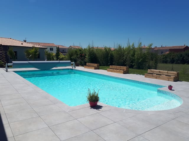 Comfortable Provençal house with swimming pool