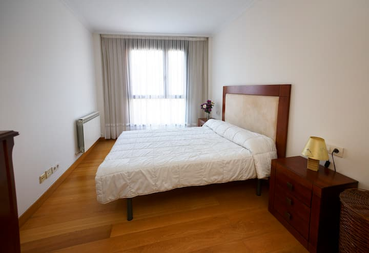 Agradable, Muy Soleado y Céntrico ,wifi, cama 1,50