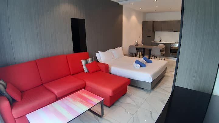 Modern Studio Apartment near Spinola Bay