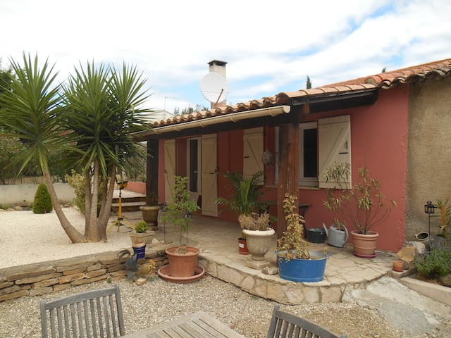 Le petit gite rouge - Roujan - Apartamento com serviços incluídos
