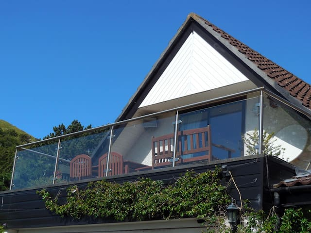 Self Contained Apartment overlooking Conwy Estuary