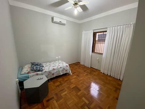 Quarto - Cama de Solteiro Centro Lençóis Paulista