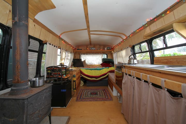 Downtown Charming Converted Tiny House Bus