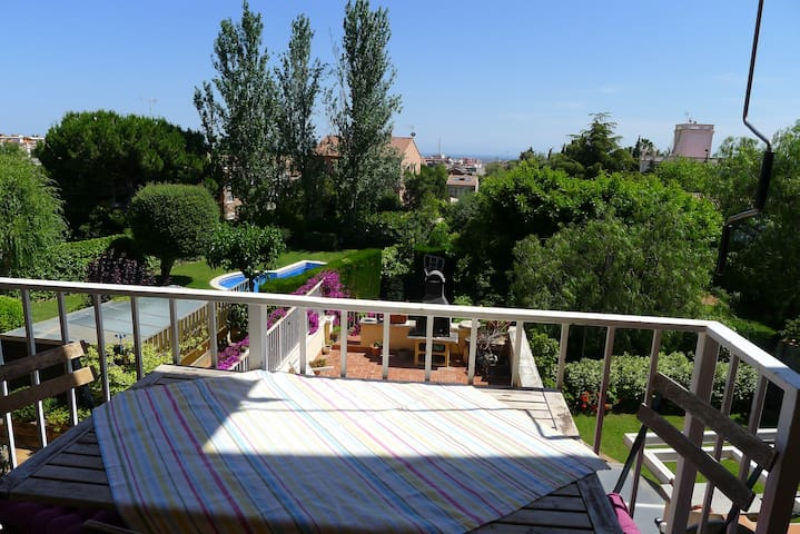 Cosy flat next to Barcelona - Sant Just Desvern - Apartment