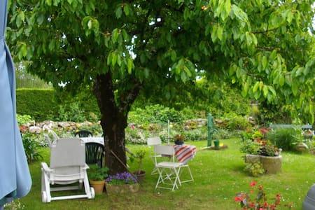 Chambre lit double - Saint-Porchaire
