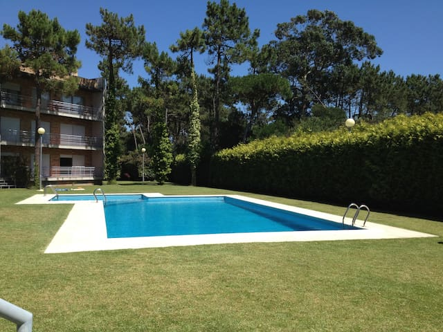 Beach apartment with swimming pool - Fão - Apartment