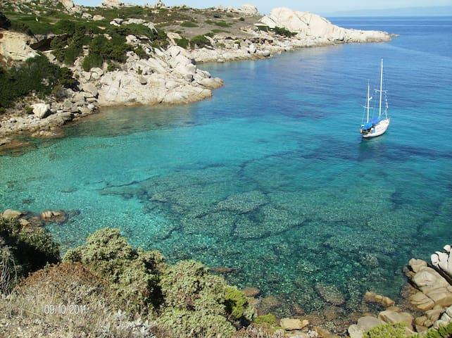A pochi passi dal mare - Santa Teresa Gallura - บ้าน