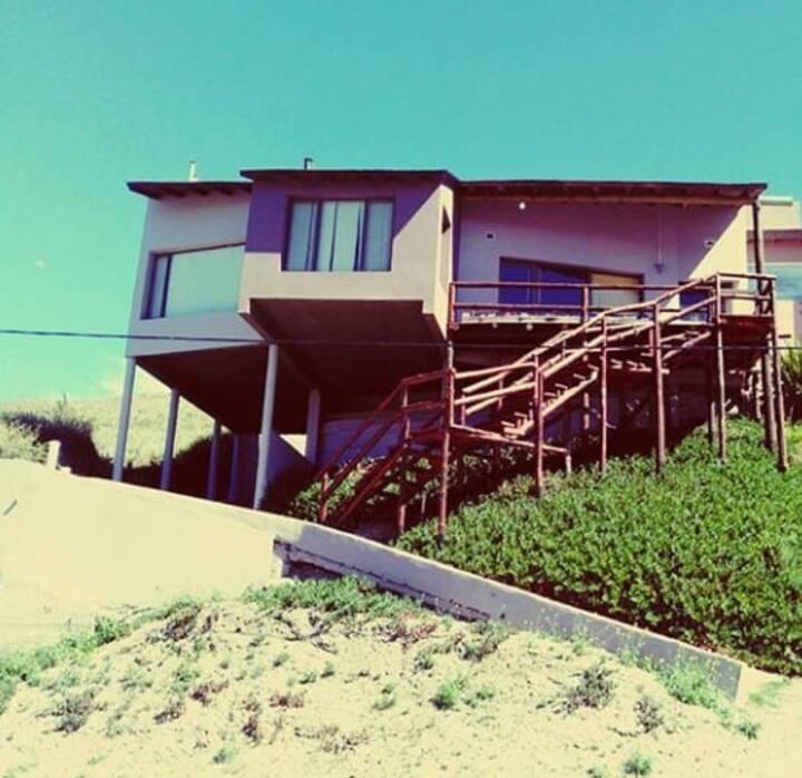 Excelente casa familiar en el balneario el cóndor