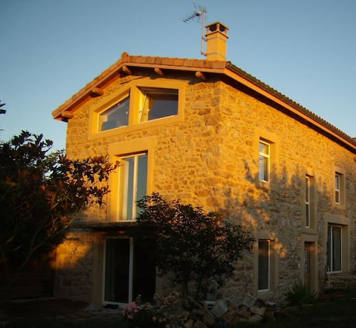 Renovated Farm in the countryside - La Chapelle Villars - Casa