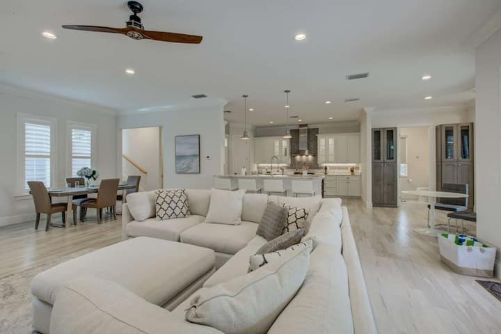 600 ft. to Shell Beach,  Pool/Spa, Fire Pit, New & Custom Nantucket Style Home, 12ft Ceilings