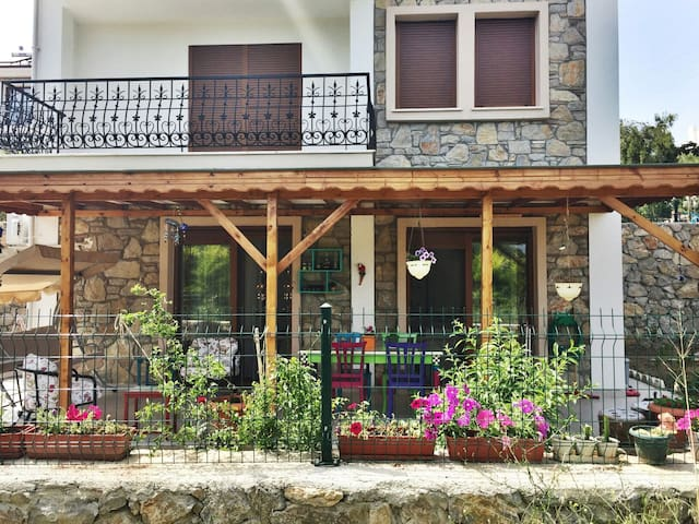 Cute apartment with peaceful garden - Datça - Daire