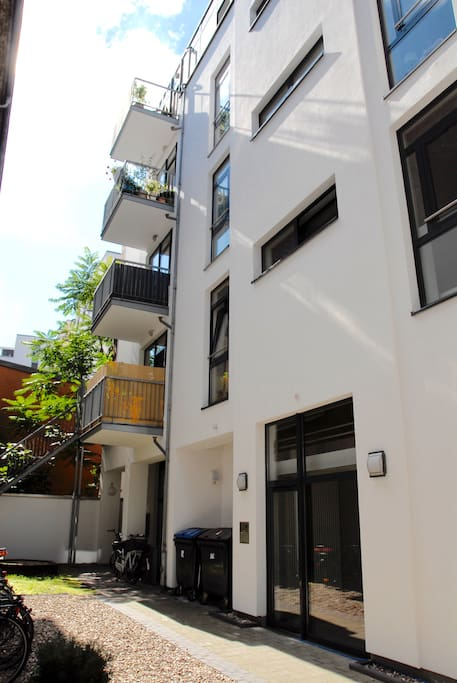 Hauseingang/Main entrance (apartment on the 4th floor)