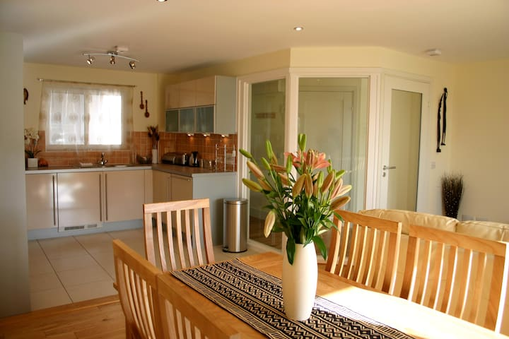 Stunning Holiday Apt. 5min Walk to Beach - Polzeath - Apartment