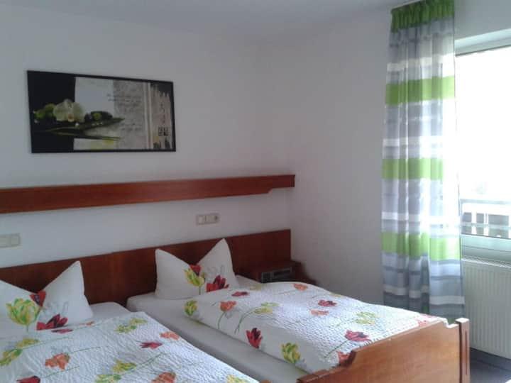 Hotel Restaurant Haus Battenfeld, (Plettenberg), Doppelzimmer Rollstuhlgerecht, mit Dusche und WC