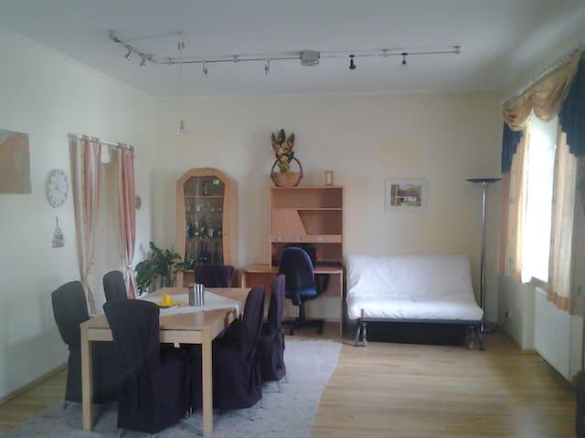Nettes Haus mit Garten - 5-6 P. - Gumpoldskirchen - Maison