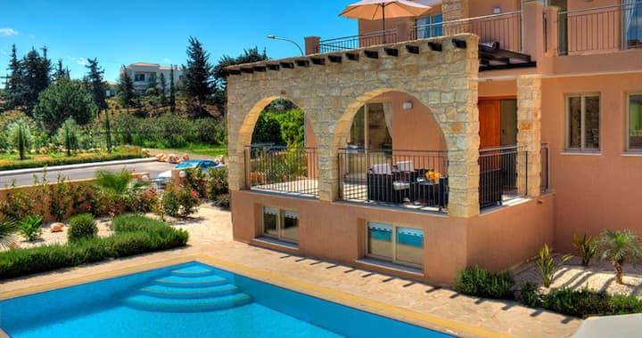 Exclusive Luxury Villa Sandy Beach - Heated Pool