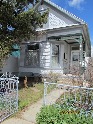 Charming Victorian, walk downtown - Leadville