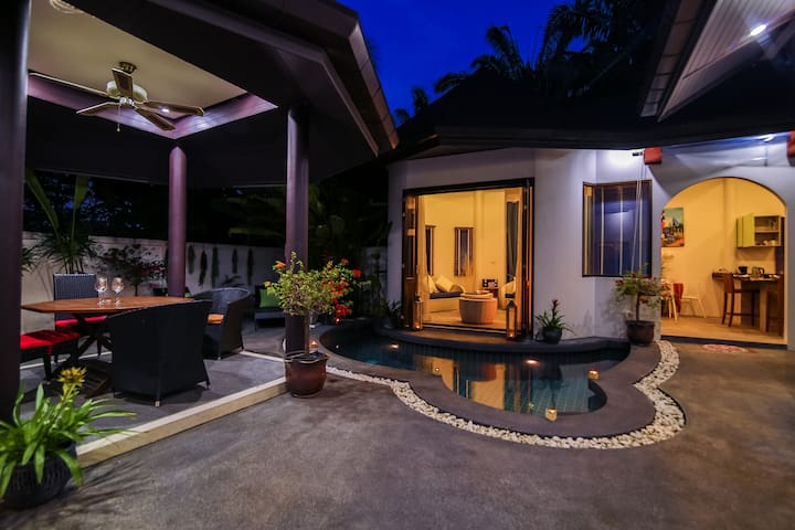 Balinese Style 3 bedroom pool villa in chalong