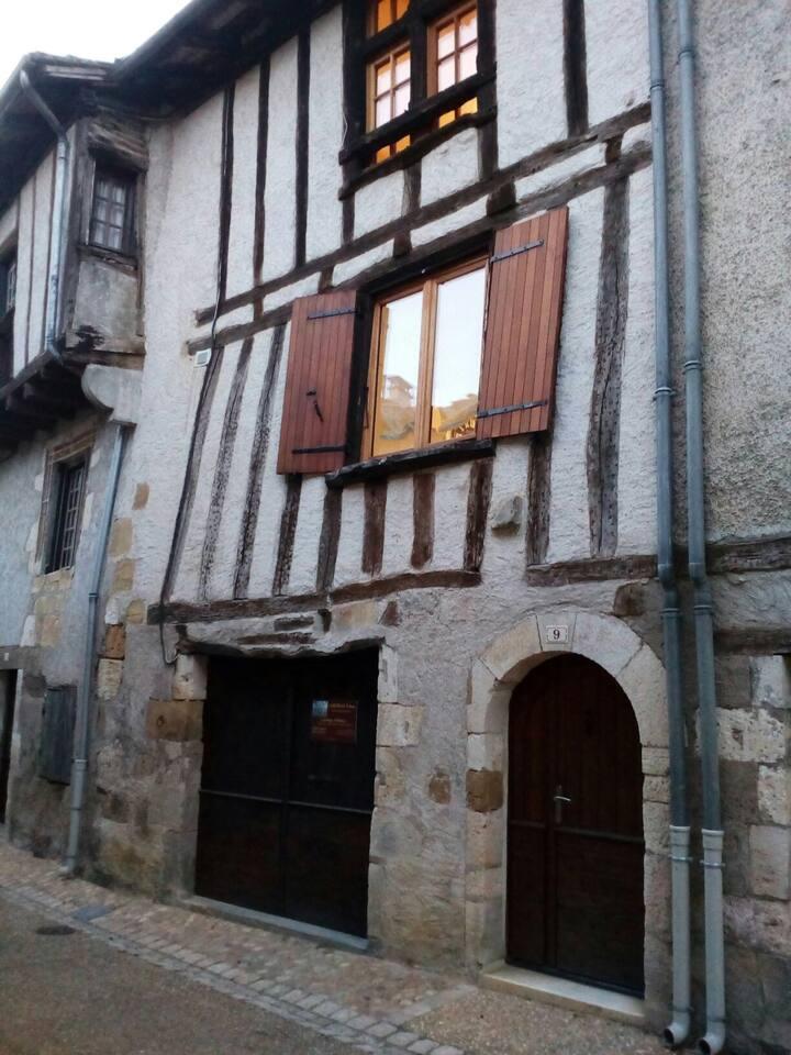 Appartement de charme entier à Saint Jean de Cole