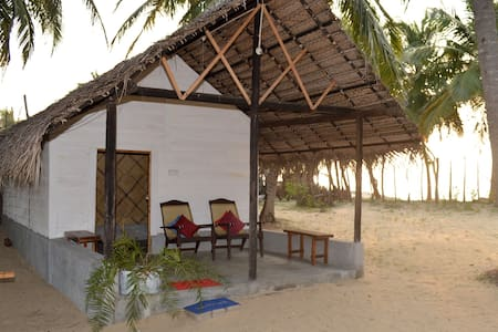 Kite Beach Villas Kalpitiya 2-3 Per - Puttalam - Bed & Breakfast
