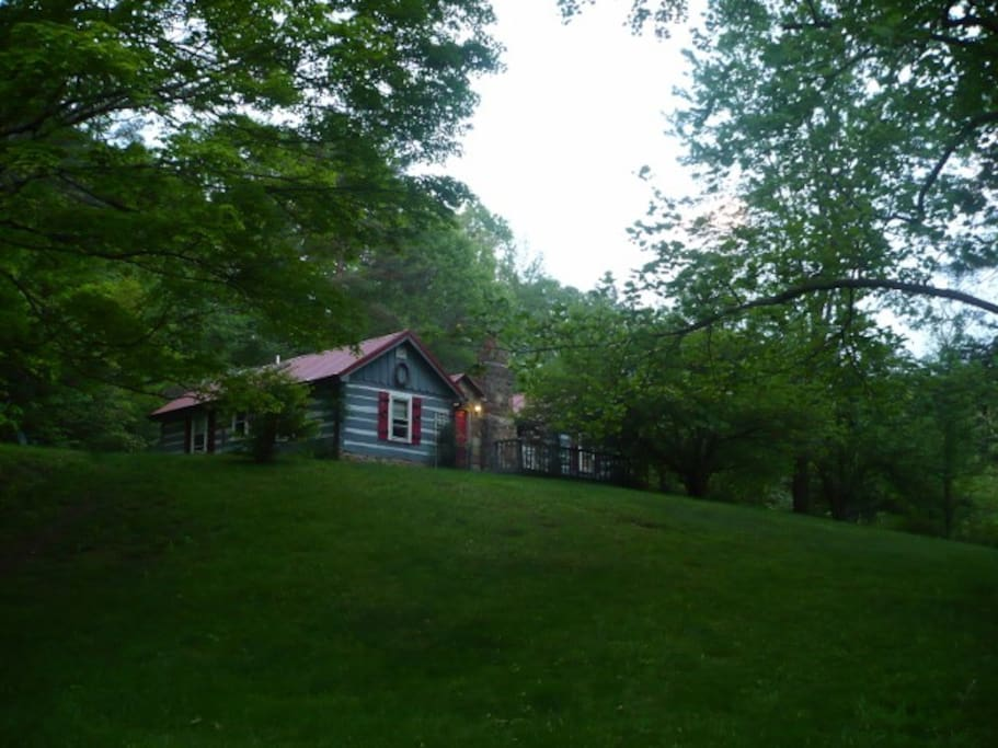 Trinity hill cabins for rent in nashville indiana for Cabin rentals vicino a nashville tn