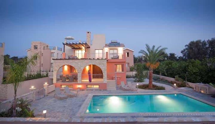 Exclusive Luxury Villa Saraliana