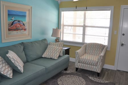 Gorgeous One Bedroom on Sunset Beach - Treasure Island - Condomínio