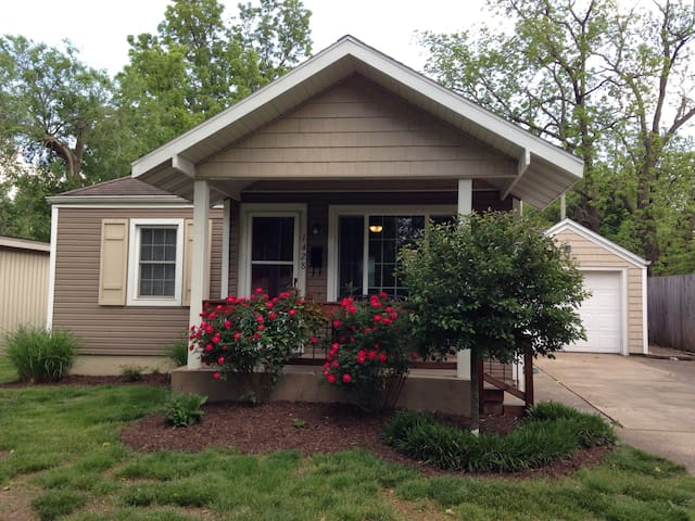 Delightful Bungalow, Grt. Loc.!NEW - Springfield - House