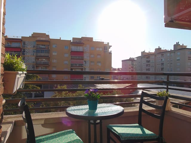 Sunny apartment perfect for couples - Barcelona - Byt