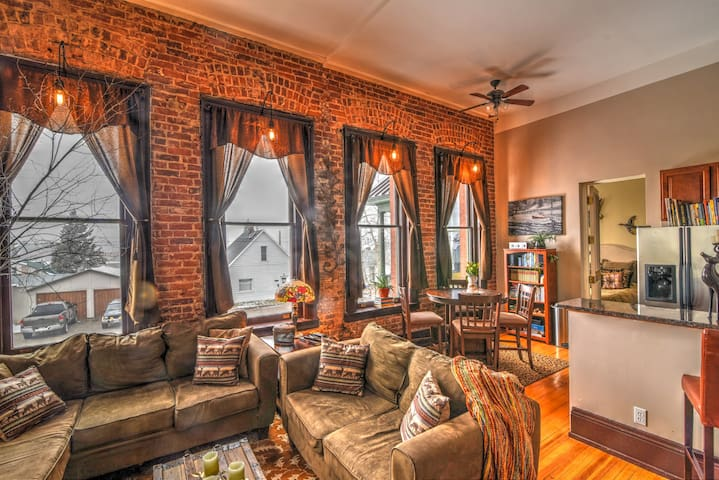 Historic Loft with a Beautiful View - Leadville - Apartment