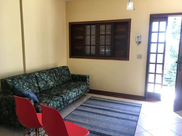 Excelente quarto ao lado da UFMG e Mineirão