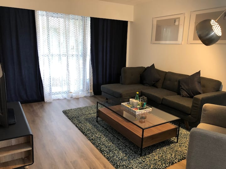 Twelve Oaks Comfy & Clean 1 Bedroom In Vancouver