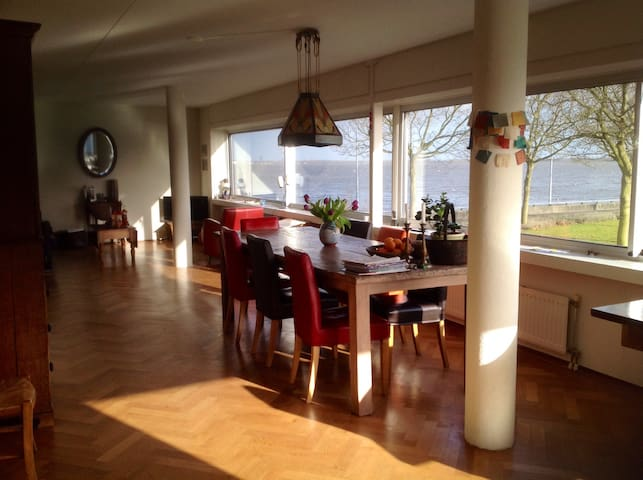 Spacious House Lakeside Huizen - Huizen - Apartamento