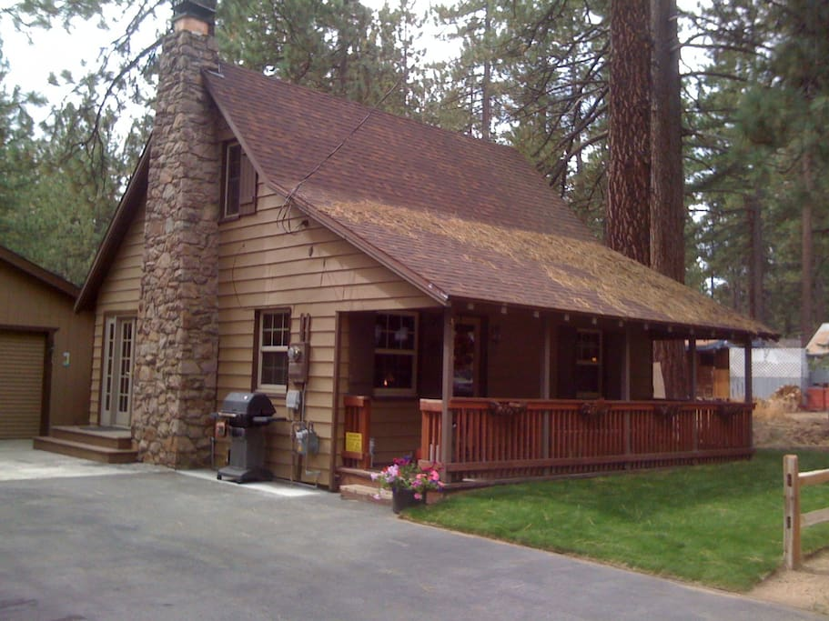 2-Story Chalet on pine-tree lined street, yet just a 5 minute walk to lake, shopping, dining!