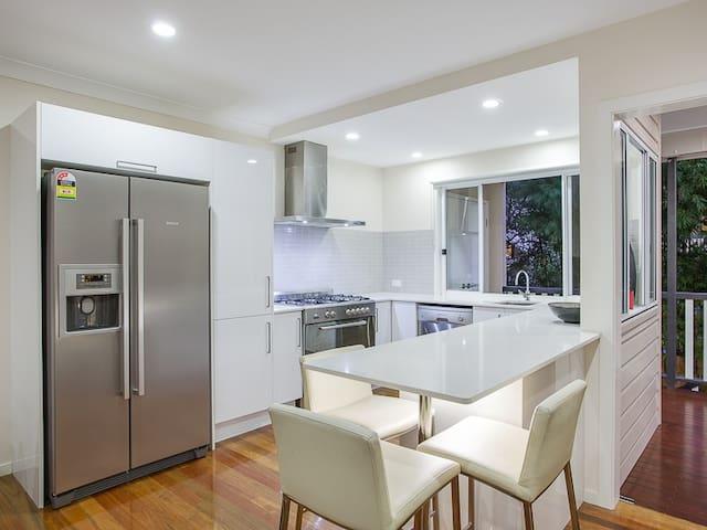 Renovated Qlder in Petrie Terrace (Unit 2) - Brisbane - Haus